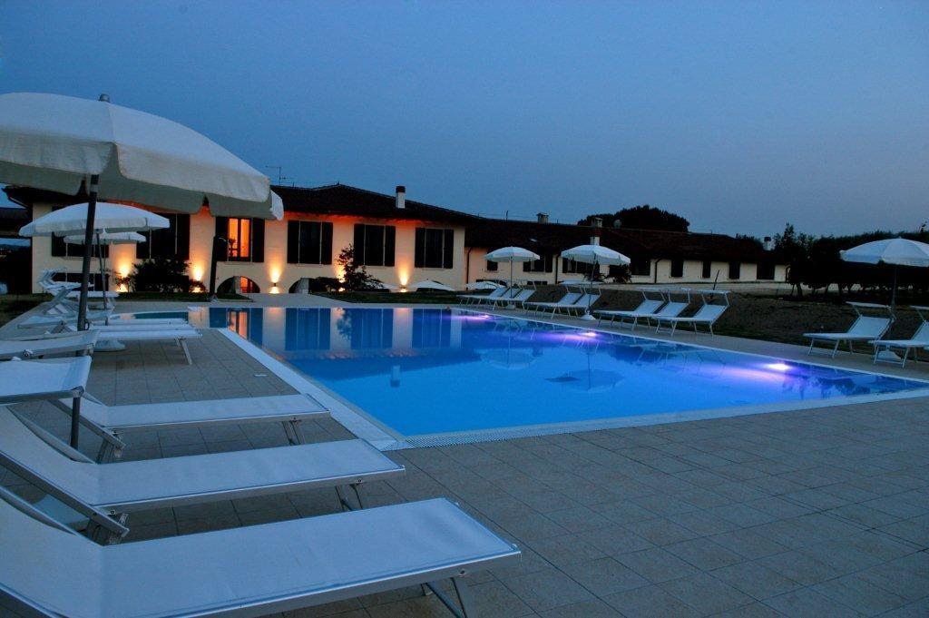 Hotel In Liguria Con Piscina